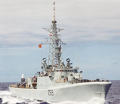 HMCS Terra Nova en route to the Persian Gulf to participate in Operation